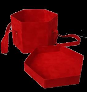 Cutie hexagonală îmbrăcată în catifea roşie