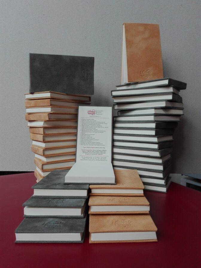 Carnete notes diferite formate sși finisări